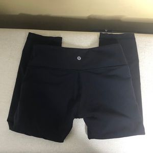 Lululemon Athletica Black Workout Crop Pants 6